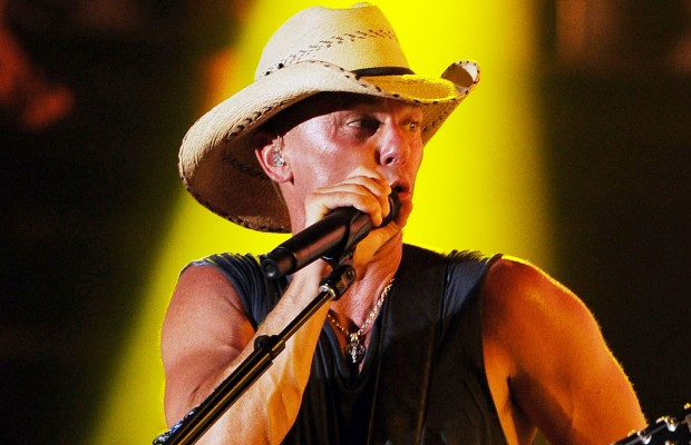 Kenny Chesney Sets Up A Fund For Boston!